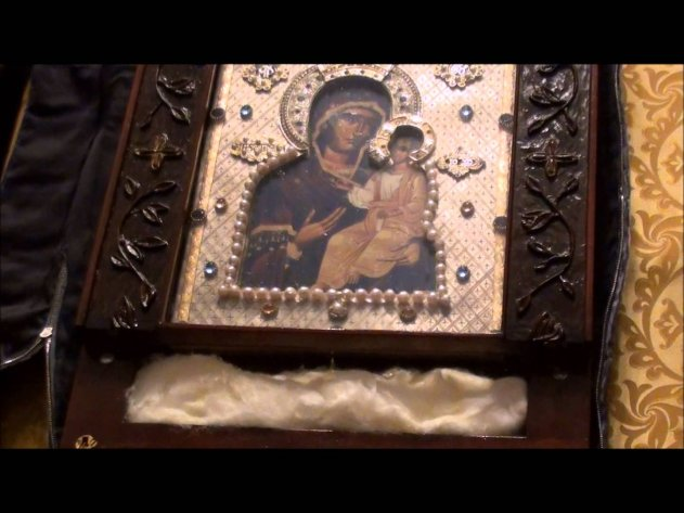 Мироточение иконы Пресвятой Богородицы на Гавайях Opening the Mir streaming Holy Icon from Hawaii - Protection of the Holy Virgin Church Palo Alto CA.